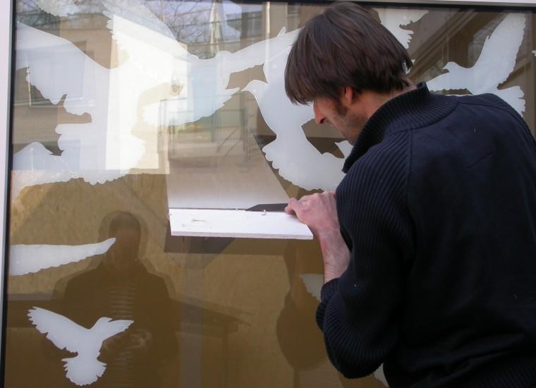 Seger Reyers werkt aan installatie BROOS